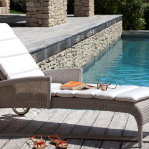 Safi-sunlounger-with-arms-outdoor-LS01